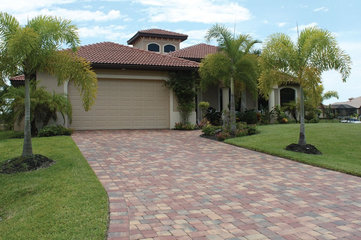 Standard collection driveway of pavers